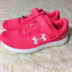 Under Armour girls sneaker 1.5 New
